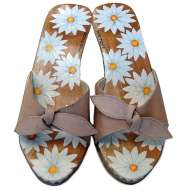 Mystique Hand-Painted Bow Sandals Daisy