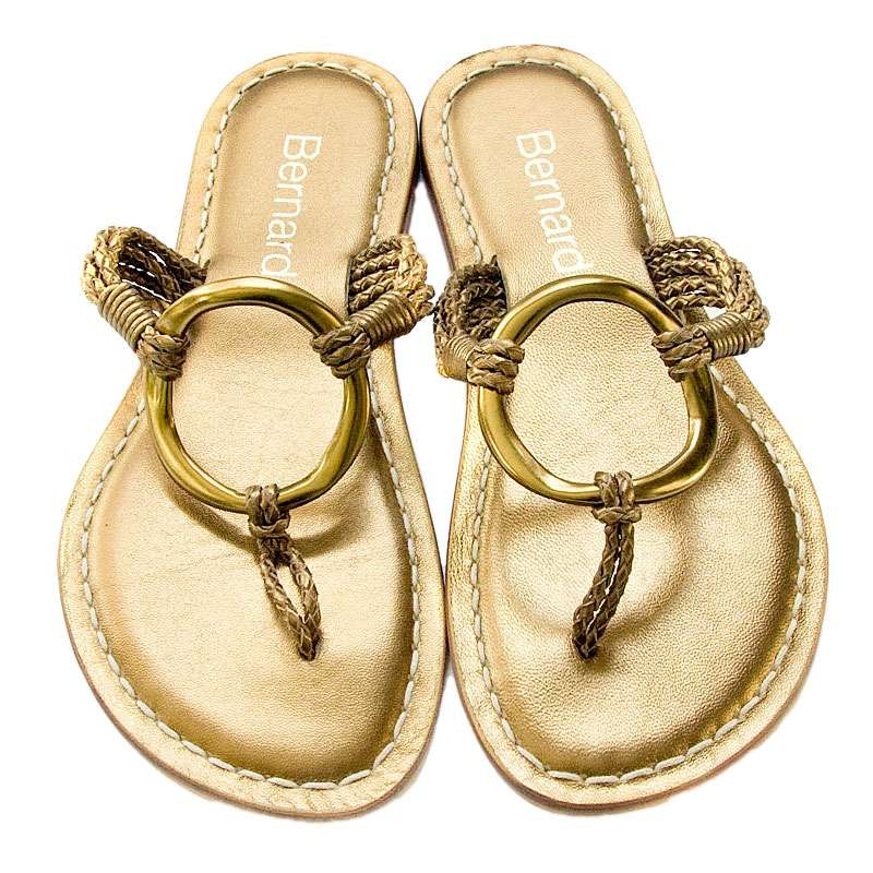 Bernardo Womens Medieval Flat Sandal